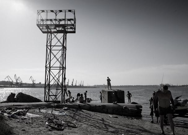 Bathing in the Odessa Port (Ukraine)
