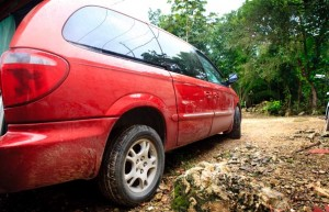 Our new Car, bought in Mexico to drive to Panama: A Crysler Voyager 2001