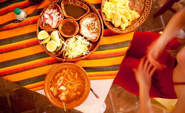 Pozole Soup in the in the Restaurant Pozoleria in Cancun Mexico; Foto: Thomas Alboth