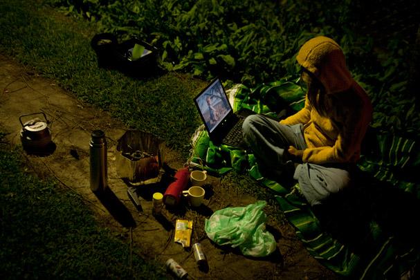 Bloggin at night in Antigua (Guatemala)