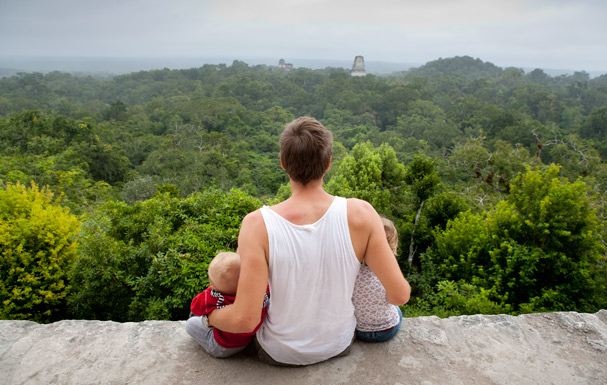 Tikal (Guatemala): Looking on a amazing Maya ruin scenery, Photo: Anna Alboth