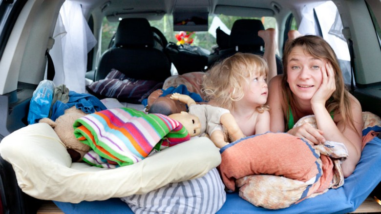 Waking up in our car (VW Touran); Photo: Thomas Alboth