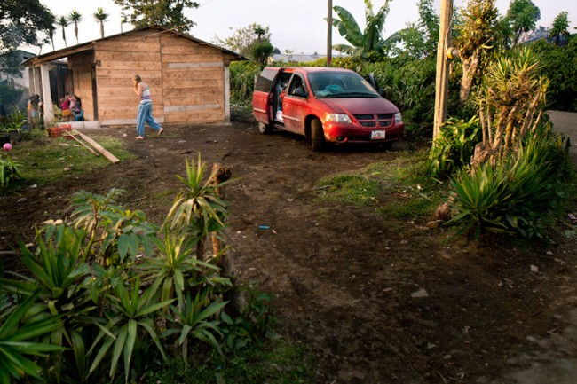 Guatemala: Stopping in the garden of a mayan family