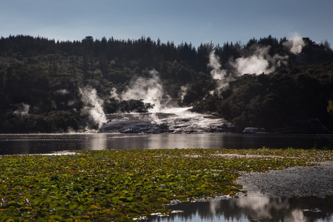 Orakei Korako (New Zealand): Geysers at the Lake Ohakuri; Photo: