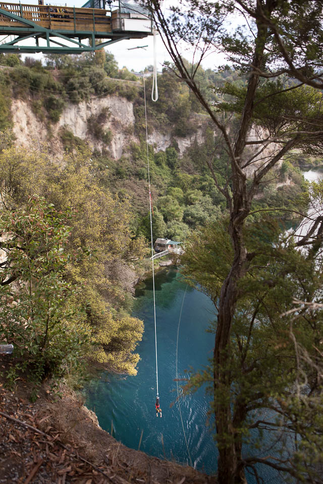 Taupo (New Zealand): Anna's jump on the the bungee from 47 metre