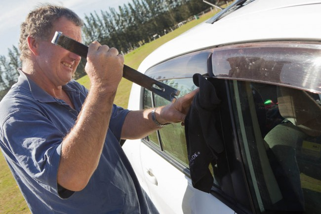 Te Anau (New Zealand): Opening our car