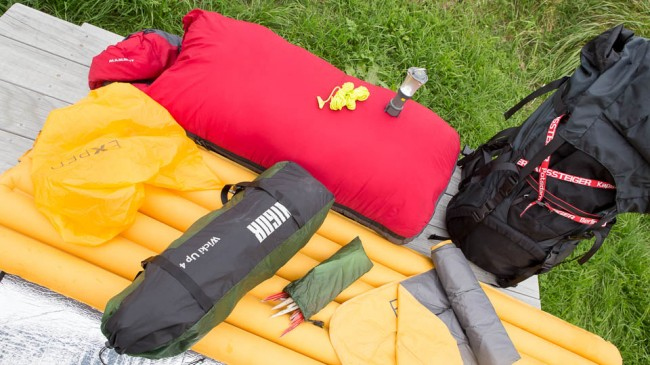 Tent, mats, sleeping bags – Packlist for a family outdoor trip