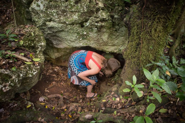 Eua (Tonga): The entrance to the rats cave; Photo: Thomas Alboth