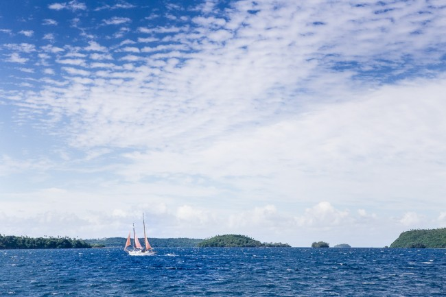 Hichthiking from Tonga (Vavau) to Fiji on a sailing yacht (South Pacific, 2014)