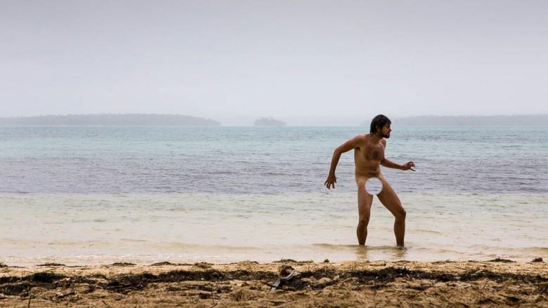 Tonga, Kenutu Island (Vavau Group): Tom feels wild, Photo: Anna