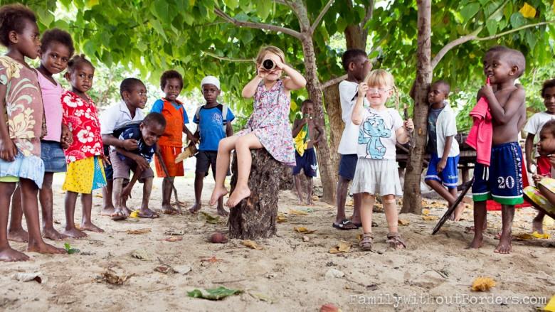 Atchin (Vanuatu, Malekula): Hanna and her pirate friends