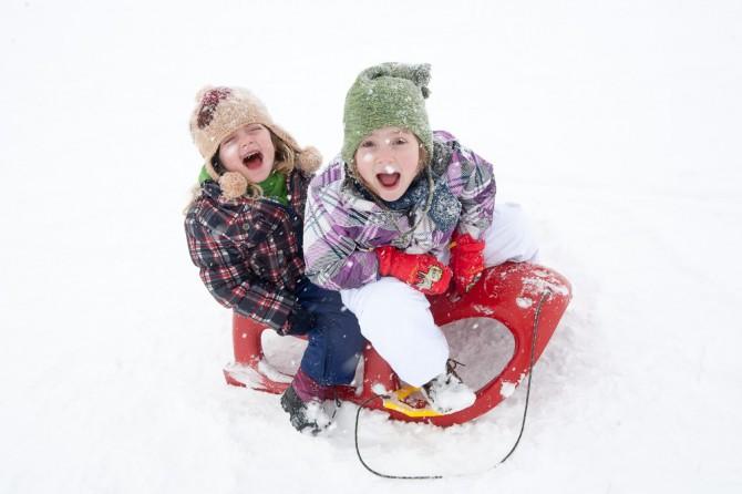 Skiing in Gudauri, Georgia, Caucasus, sledge, sled, rental, kids, children, sledge