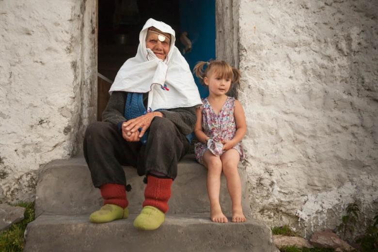 Woman and little girl in Bosnia, Lukomir