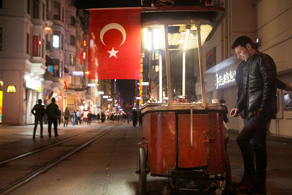 4230f0833146b5 Istiklal street one day after the terrorist attac (Turkey